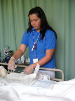 nurse doing intravenous therapy